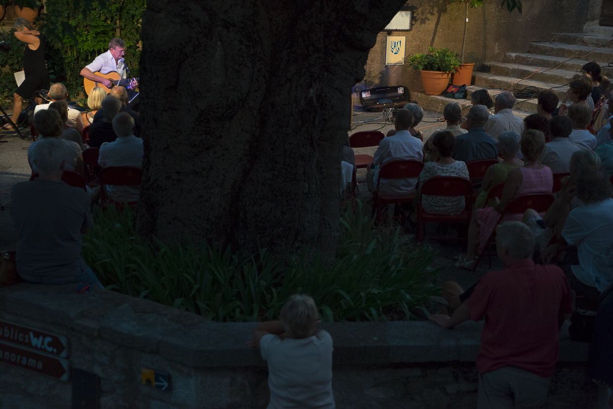 Jazz in the courtyard of the old village of Fox-Amphoux, 4 July 2015